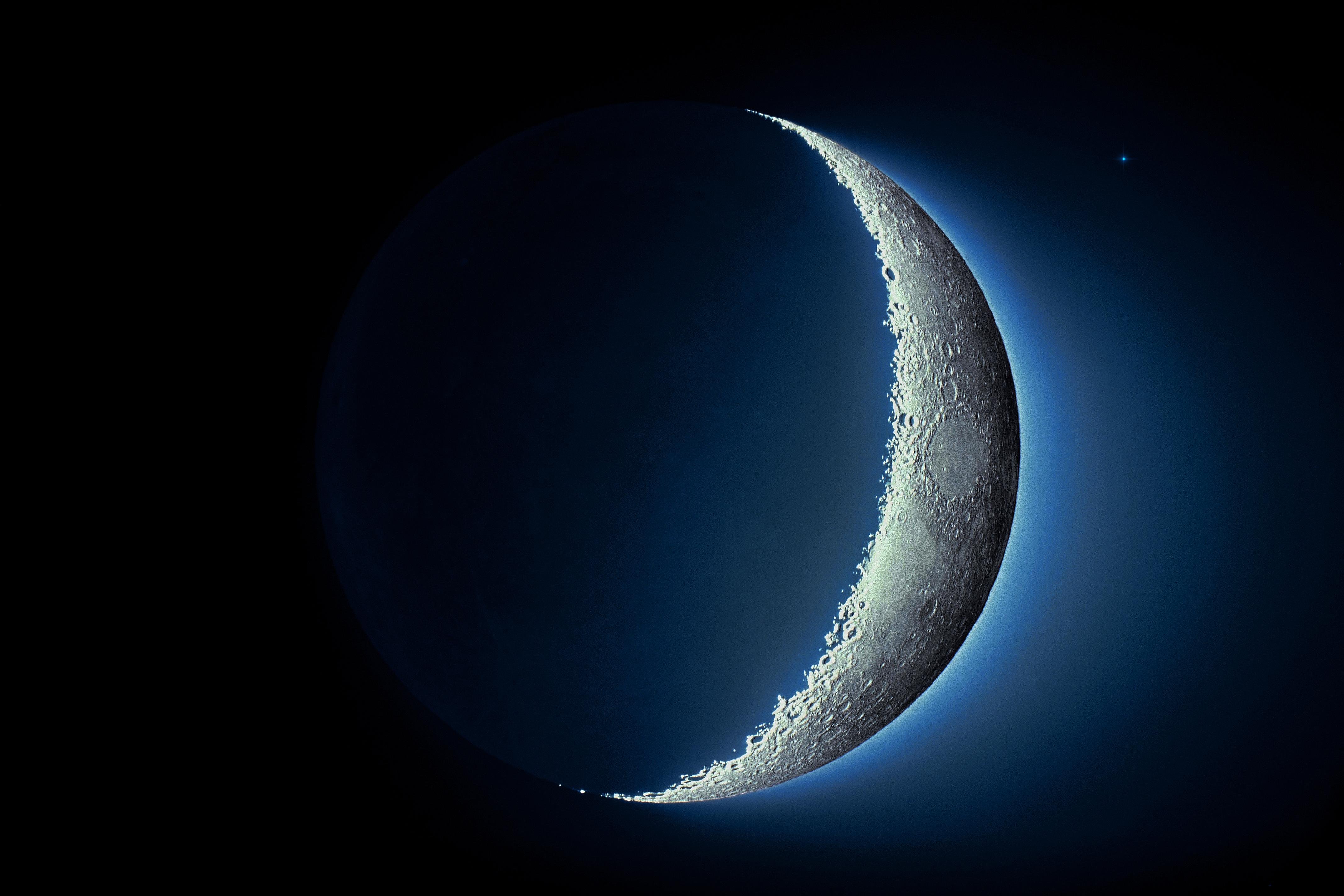 er månen og solen lige store